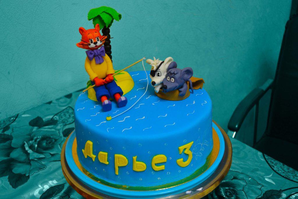 Мастичный торт Леопольд